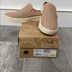Sofft slide in sneakers